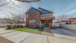 918 Kent Avenue NW, Albuquerque, NM 87102