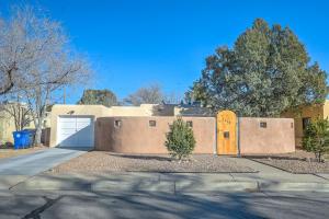 1716 BRYN MAWR Drive NE, Albuquerque, NM 87106