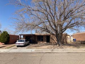 1015 JANE Street NE, Albuquerque, NM 87112