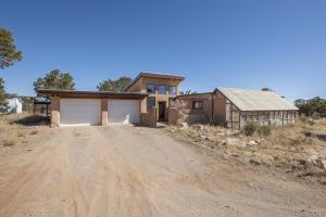 3 Steeplechase Drive, Edgewood, NM 87015