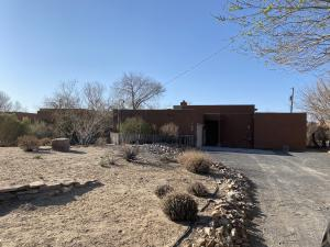 5816 NORTHVIEW Lane NW, Albuquerque, NM 87120