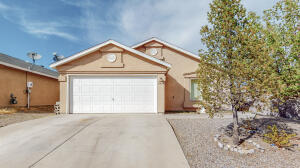 8923 Skylight Avenue SW, Albuquerque, NM 87121