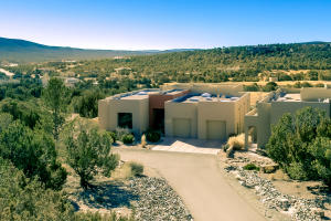 31 HOGAN Court, Sandia Park, NM 87047