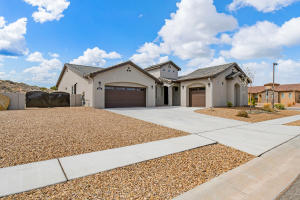 5536 PIKES PEAK Loop NE, Rio Rancho, NM 87144
