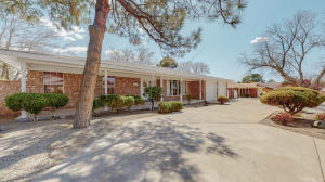 7708 SUMMER Avenue NE, Albuquerque, NM 87110