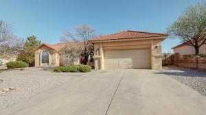2101 Clearwater Loop NE, Rio Rancho, NM 87144