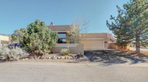 2318 Calle De Gabriel NE, Albuquerque, NM 87122