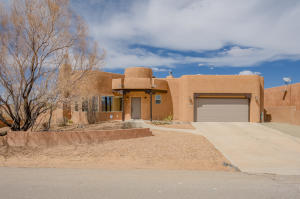 3010 ILFORD Road NE, Rio Rancho, NM 87144