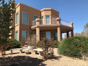 1821 Platte River Road NE, Rio Rancho, NM 87144