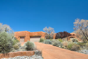 9811 DESERT MOUNTAIN Road NE, Albuquerque, NM 87122