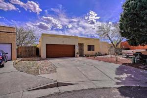 6912 ARMAND Court NW, Albuquerque, NM 87120