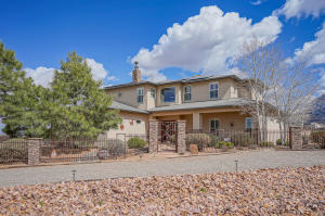 10609 Eagle Rock Avenue NE, Albuquerque, NM 87122