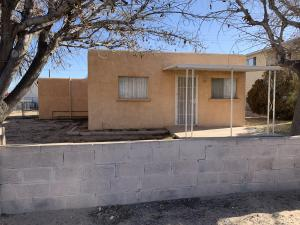 414 60TH Street NW, Albuquerque, NM 87105