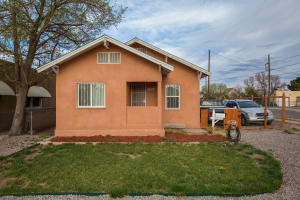 1206 12TH Street NW, Albuquerque, NM 87104