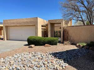 10408 OSO Court NE, Albuquerque, NM 87111