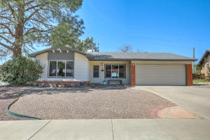 3107 Riviera Place NE, Albuquerque, NM 87111