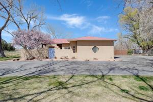 2719 CHAPULIN Road SW, Albuquerque, NM 87105