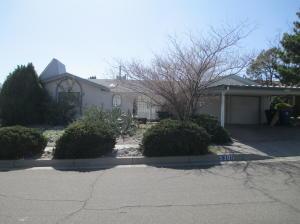 5305 HINES Drive NE, Albuquerque, NM 87111