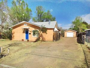 606 49TH Street NW, Albuquerque, NM 87105