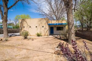 2503 CANDELARIA Road NW, Albuquerque, NM 87107