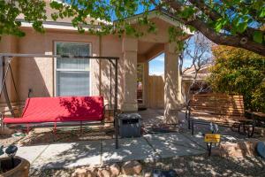 10423 RED ROBIN Road SW, Albuquerque, NM 87121