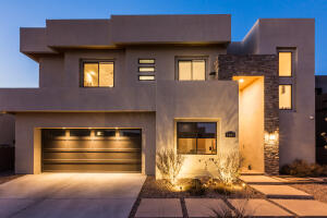 8909 SIGNAL Avenue NE, Albuquerque, NM 87122