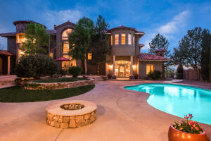 12095 IRISH MIST Road NE, Albuquerque, NM 87122