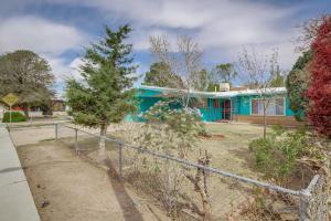 1409 CHEROKEE Road NW, Albuquerque, NM 87107