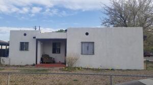 1004 Lynch Court NW, Albuquerque, NM 87104