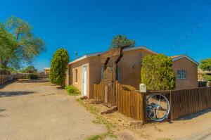 2300 WILMA Road NW, Albuquerque, NM 87104