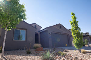 8705 SUGARITE Trail NE, Albuquerque, NM 87113