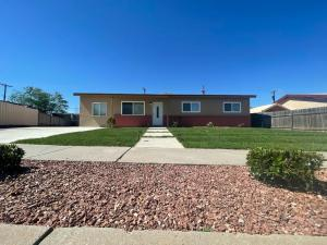 11532 N Freeway Place NE, Albuquerque, NM 87123