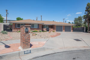 1301 RIDGECREST Loop SE, Albuquerque, NM 87108