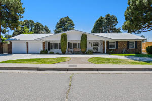 8508 AZTEC Road NE, Albuquerque, NM 87111