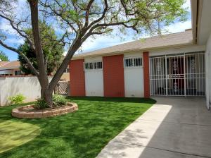 1612 California Street NE, Albuquerque, NM 87110