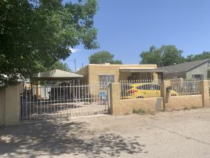 837 Garden Road SW, Albuquerque, NM 87105