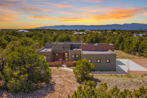11 COYOTE CANYON Trail, Tijeras, NM 87059