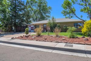 5722 HANNETT Avenue NE, Albuquerque, NM 87110