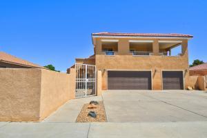 6007 Kachina Street NW, Albuquerque, NM 87114