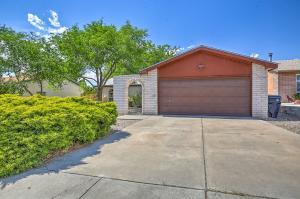 6409 MENDIUS Avenue NE, Albuquerque, NM 87109