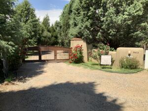 8615 RIO GRANDE Boulevard NW, Los Ranchos, NM 87114