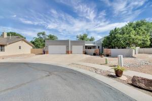 500 CILANTRO Lane NW, Albuquerque, NM 87104