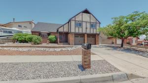 5154 LOMAS DE ATRISCO Road NW, Albuquerque, NM 87105