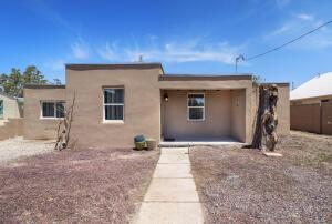 811 GRIEGOS Road NW, Albuquerque, NM 87107
