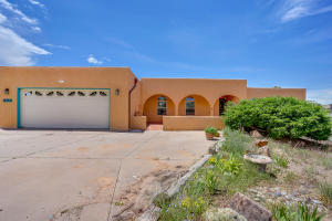 1201 Marigold Drive NE, Albuquerque, NM 87122
