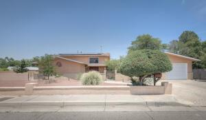 1617 MCDONALD Road NW, Albuquerque, NM 87107