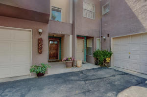 5147 Glenwood Pointe Lane NE, Albuquerque, NM 87111
