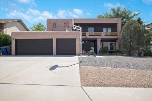 8012 WAGON MOUND Drive NW, Albuquerque, NM 87120