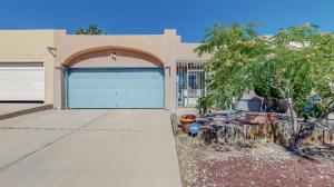 6916 BLACK PINE Place NE, Albuquerque, NM 87109