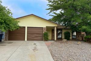 820 PAWNEE Street NE, Albuquerque, NM 87123